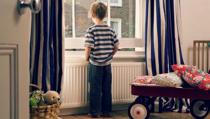 childleftalone